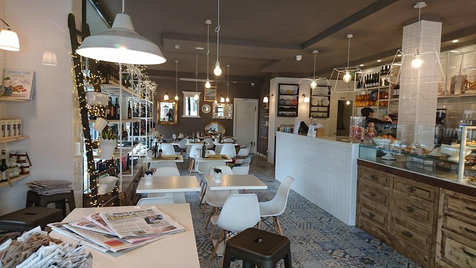 フェラーリの町マラネッロ(Maranello)のカフェでカプチーノが〇ユーロだった話